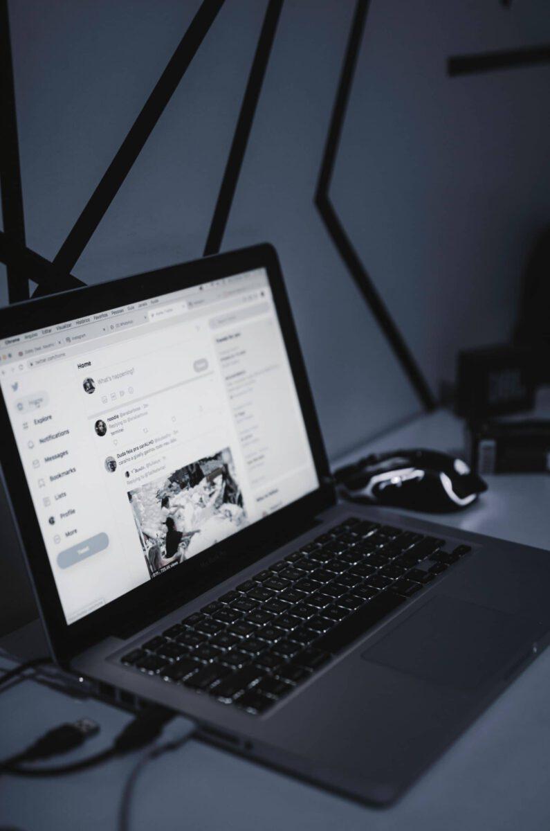 Jak zachęcić odbiorców do czytania artykułów firmowych?