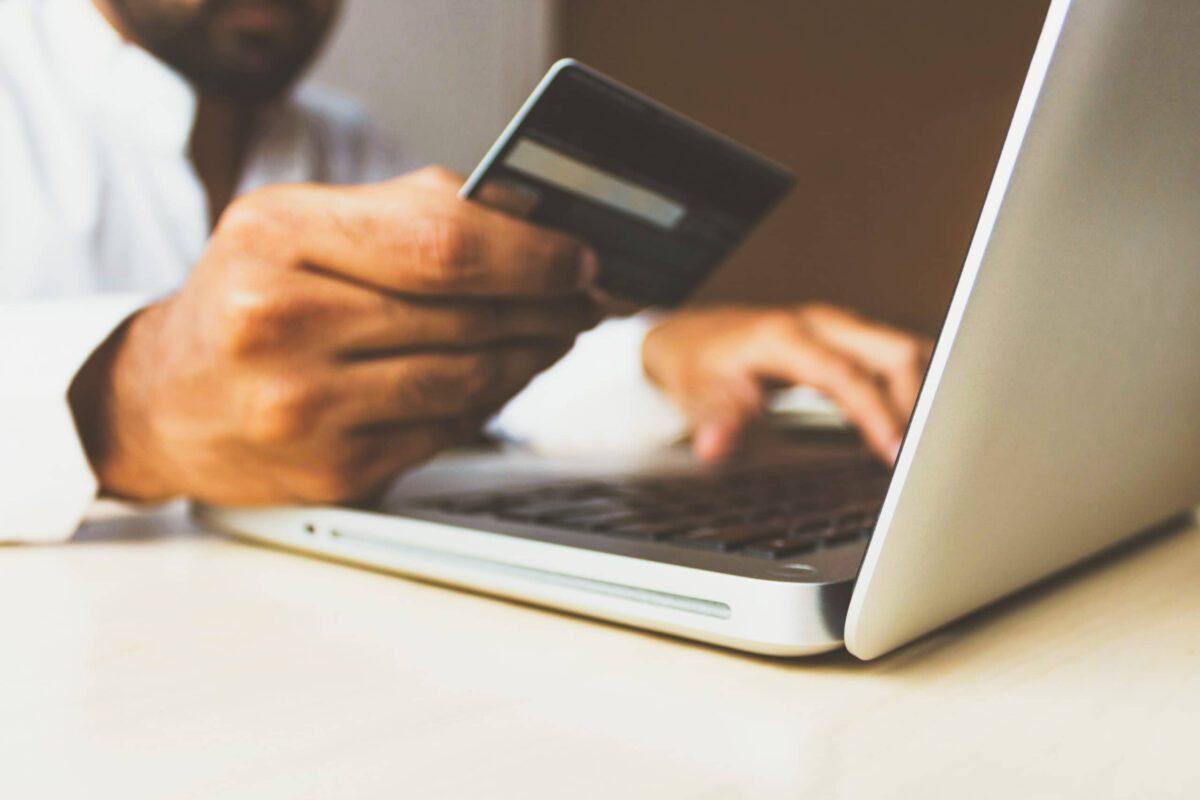 Jakie warunki musisz spełniać żeby dobrze sprzedawać w Internecie?