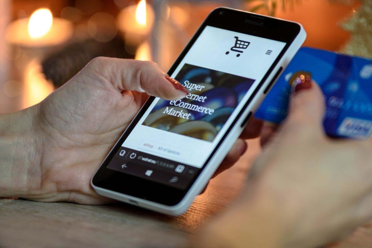 Ile kosztuje sklep internetowy i jakie są jego zalety?