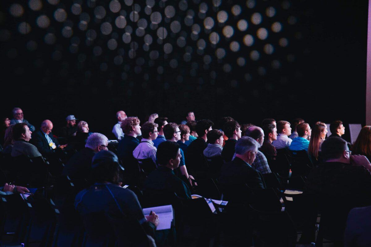 Czy warto uczestniczyć w konferencjach marketingowych?