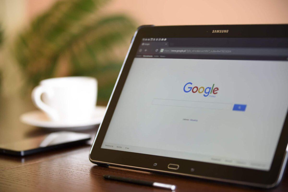 Sposób na dbanie o dobre opinie w internecie