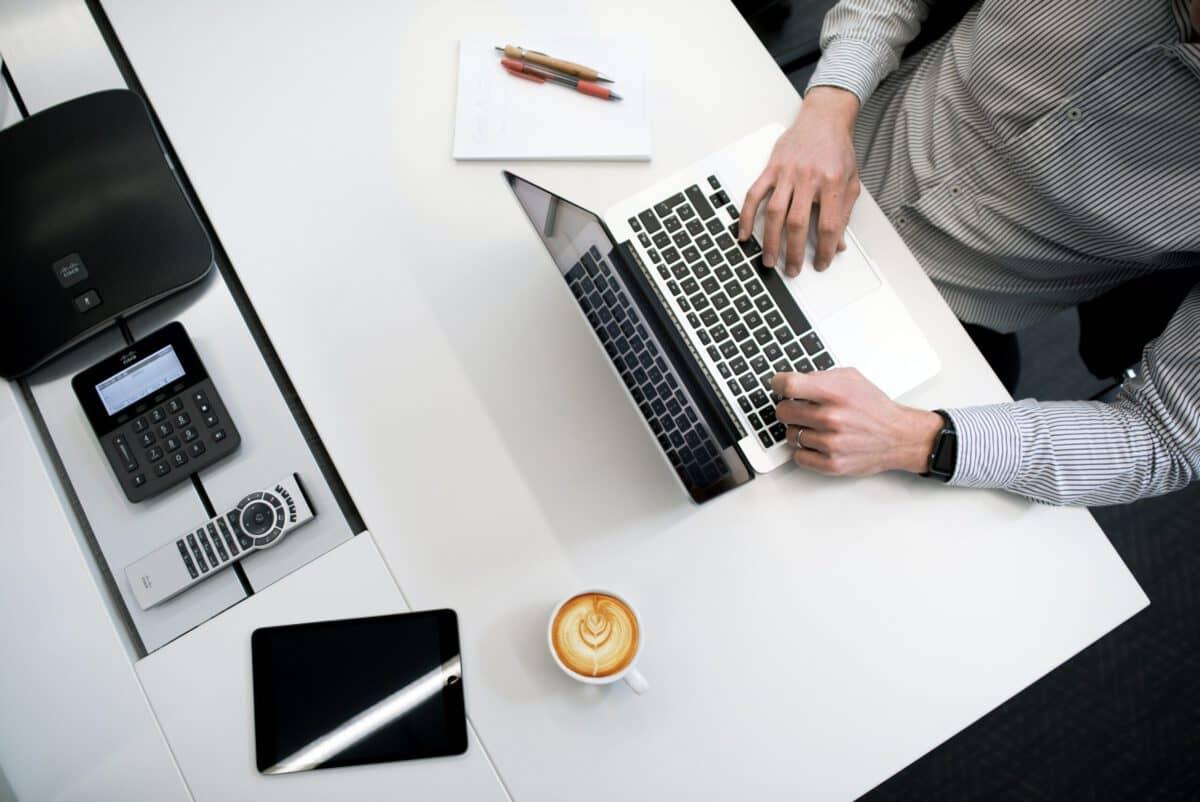 Najczęstsze pytania dotyczące używania CMS w E-commerce