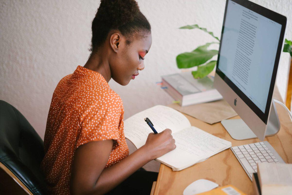 Co wybrać żeby rozwinąć się w Marketingu Online?