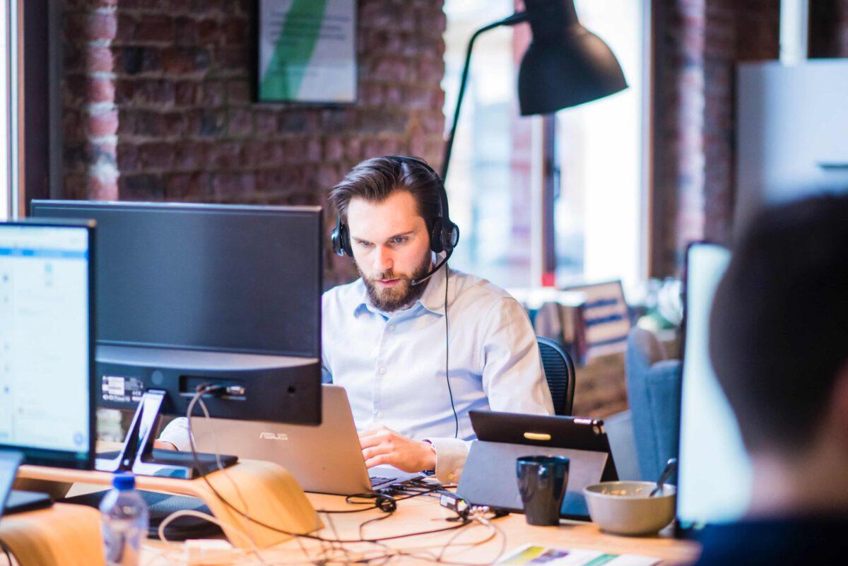 Proaktywna i reaktywna obsługa klienta w e-commerce