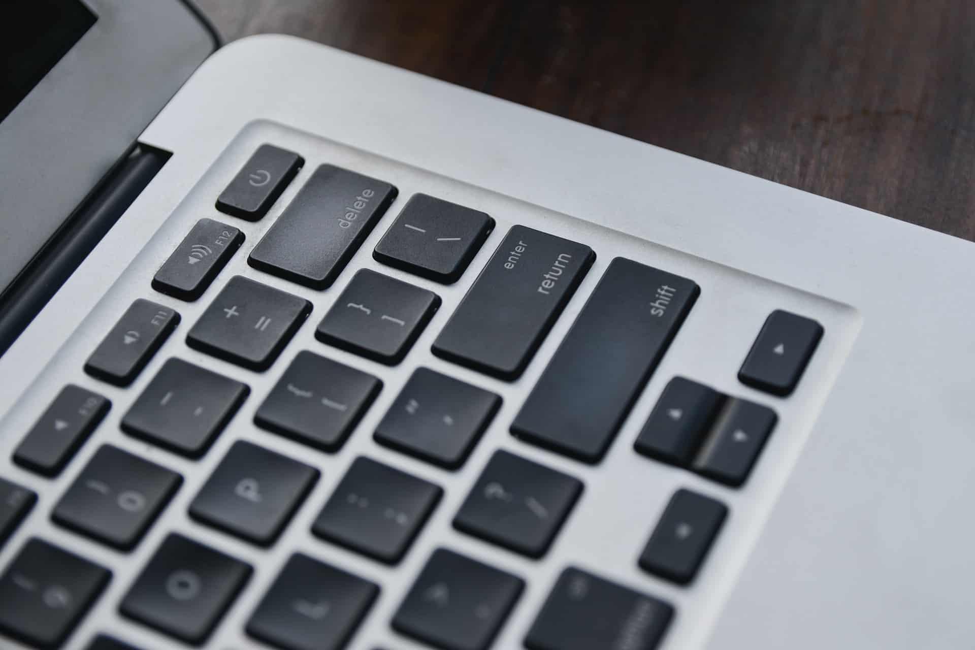 Jak prowadzenie bloga wpływa na pozycjonowanie sklepu internetowego?